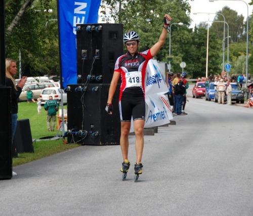 Johan Håmås rullar över mållinjen
